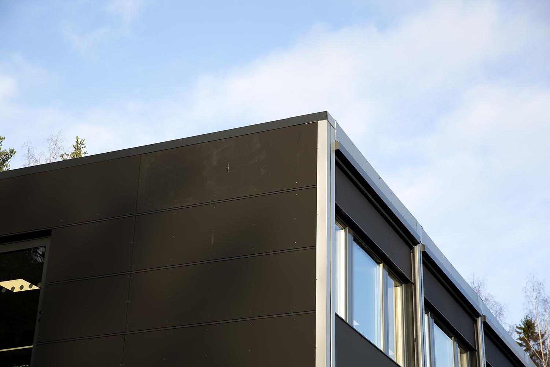 Assin projektitoimisto sijaitsee Hämeenlinnan Ahvenistolla